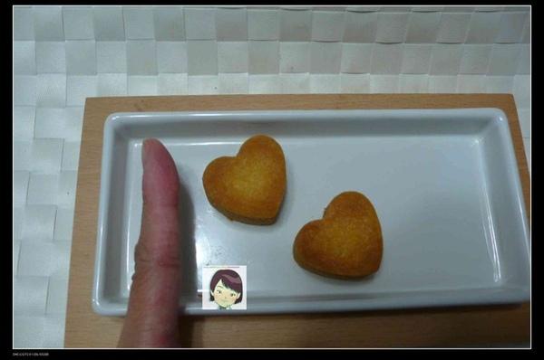 97.09.02心形一口酥(椰果鳯梨餡)