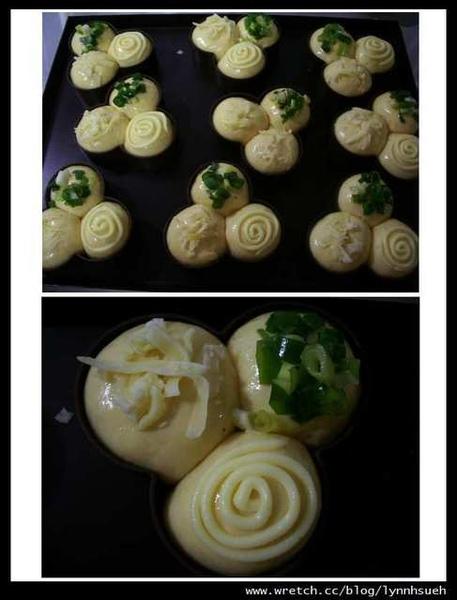 三味布丁麵包入爐前裝飾