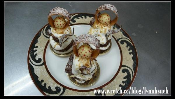 皇后-椰香慕斯蛋糕