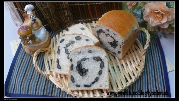 蒲老師-96.06.16酒種黑豆麵包(自然發酵種)