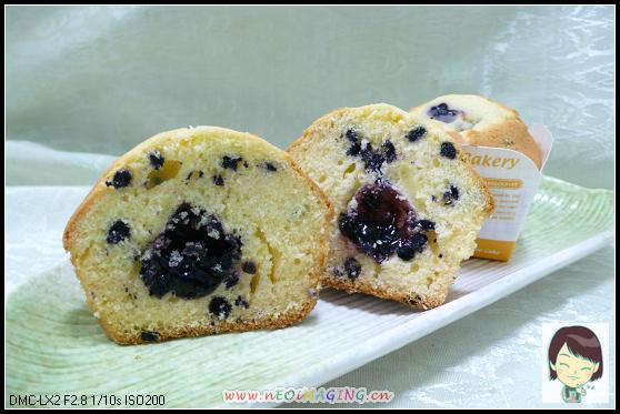 98.07.14野生藍莓muffin剖面.jpg