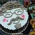 98.07.28明瑄-88節造型蛋糕.jpg