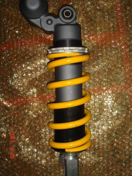 2006  GXS-R1000  後避震