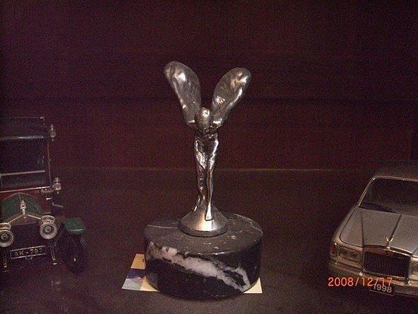 我的收藏..從2001年份勞斯萊斯Silver Seraph上拔下來的.jpg