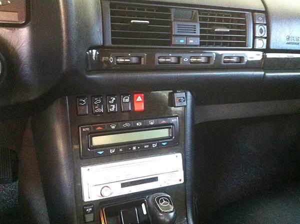 1997年4月6日出廠的S320烏眼木內裝 2.jpg