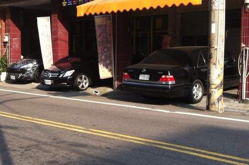 三名車(我的S320. 雙門E250 CGi. 敞篷標緻207)1.jpg