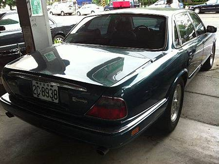 1995年Jaguar XJ6 Sovereign 5.jpg