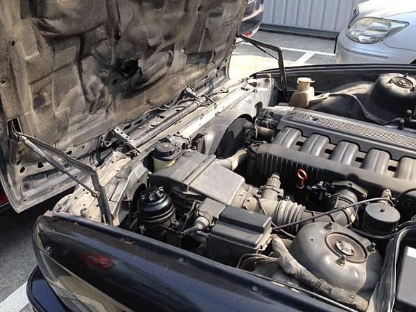 BMW的盾牌引擎蓋