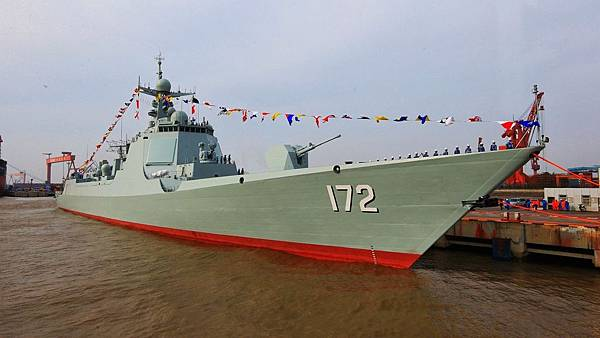 052D-Missile-Destroyer-Kunming-172