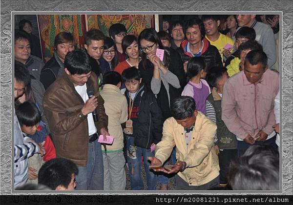 2014甲午年雲林永安宮二太子廟新春開廟門、擲福袋(獎金加碼) 20.jpg