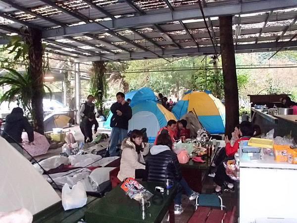 谷關溫泉區~不怕下雨的露營區