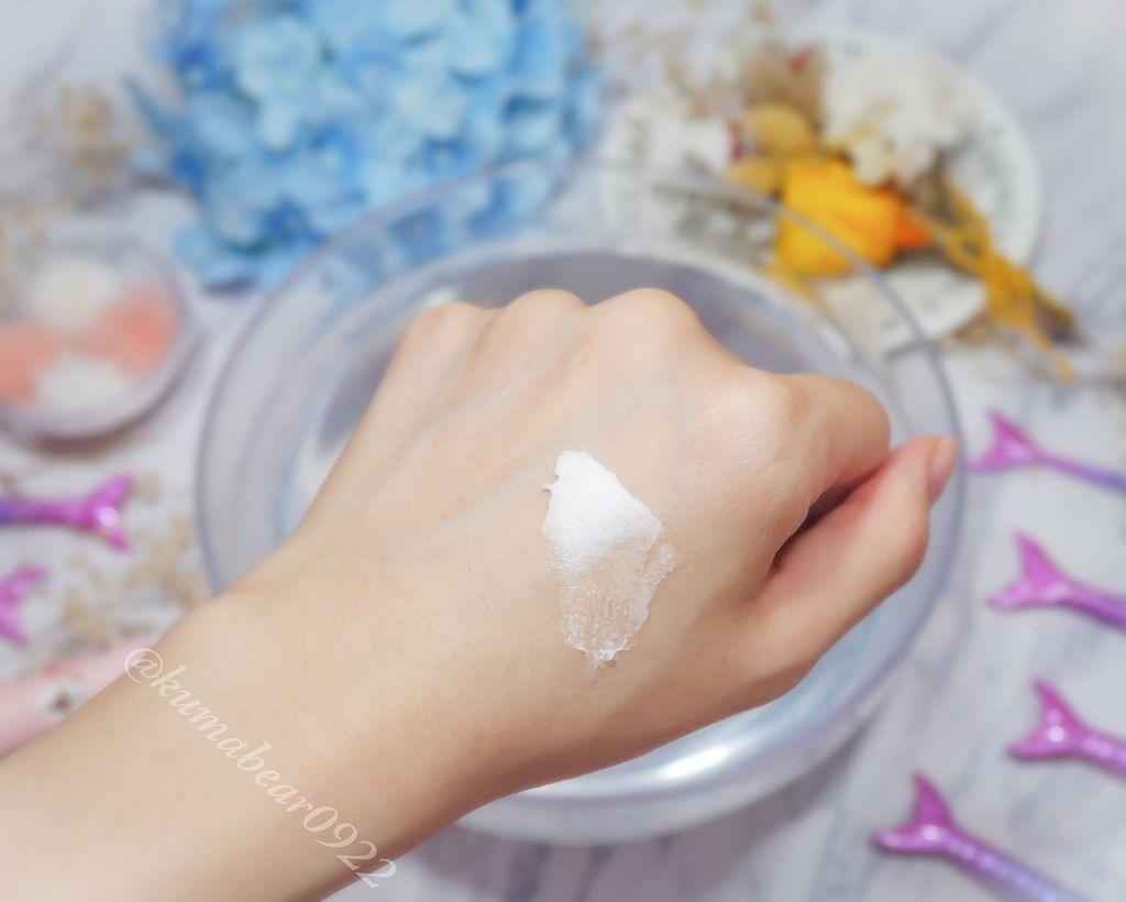 少見的霜狀質地洗臉產品 Zi Ying 胺基酸保濕潔淨霜