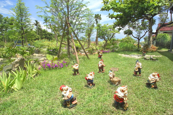 童話村有機渡假農場園區景2.jpg