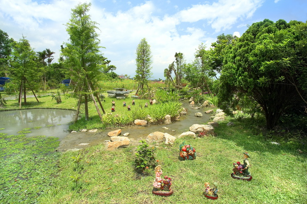 童話村有機渡假農場園區景1.jpg