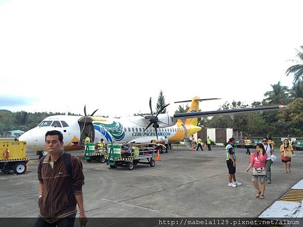 來往長灘島都是小飛機