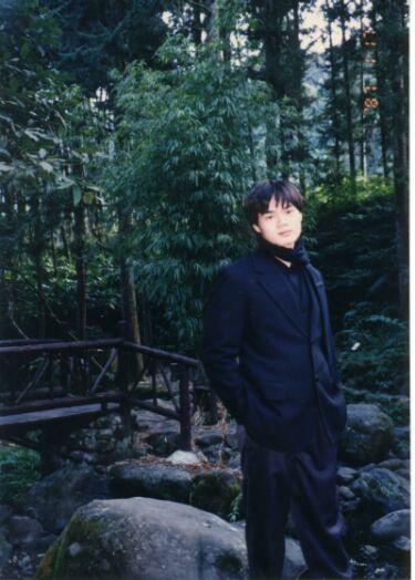 未滿十八歲的士弘