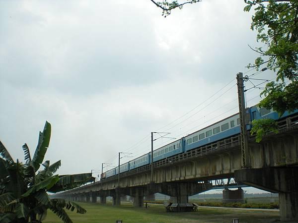 11.04.16(六)_長征鐵橋09.jpg