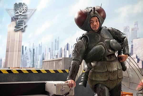 變身-邱彥翔飾演怪獸演員 經常要穿笨重的怪獸裝 (1)