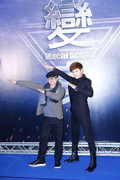 導演張時霖(左)&敖犬