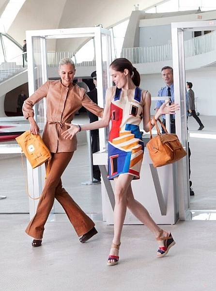 coco_rocha_for_longchamp_spring_summer_2013_campaign2