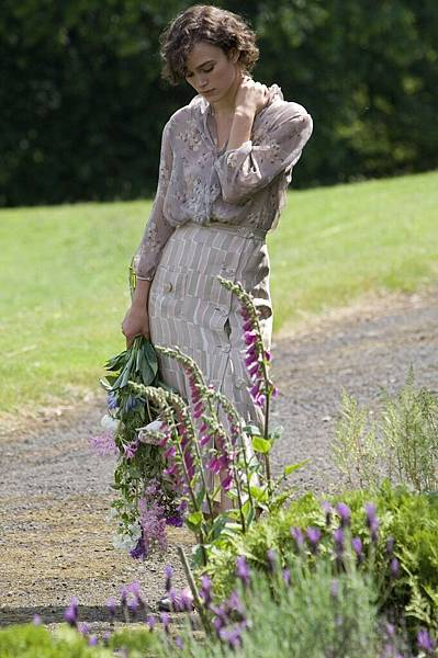 keiraknightley-dot-net_movies-atonement-stills-0007.jpg