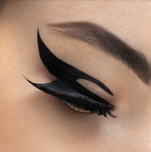 Dior-Velvet-Eyes-eyeliner-adhesive-patches-1.jpg