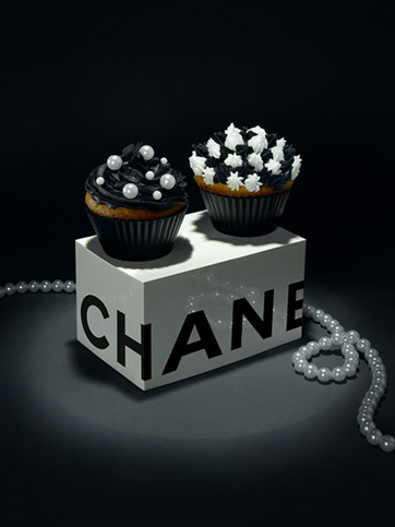 chanel-black-white-cupcakes.jpg