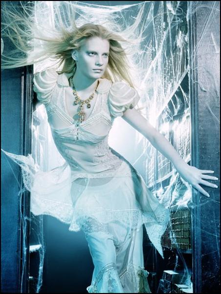 A-Flutter-Of-Gauzy-Fabrics-2006-Vogue-Italia-7.jpg