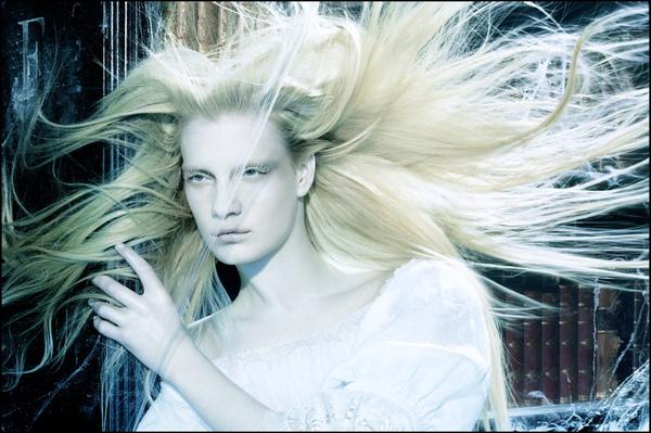 A-Flutter-Of-Gauzy-Fabrics-2006-Vogue-Italia-6.jpg