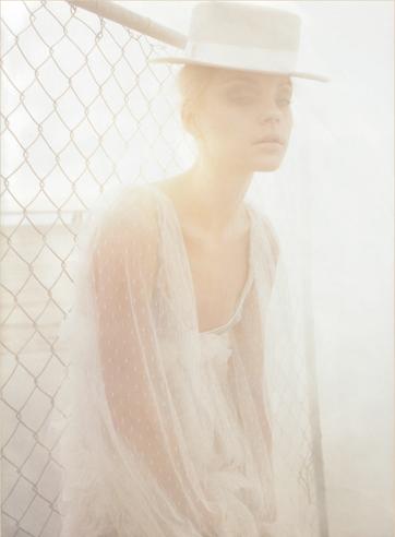 Harper's Bazaar Feb07 7.jpg