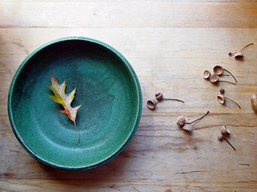 acorns,bowl,leaf,photography,table,turquoise-a0f142e67c2d2e3437e498186a26a7ee_h.jpg