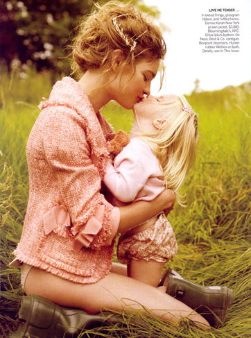 natalia-vodianova-her-family-by-mario-testino-for-vogue-us-3.jpg