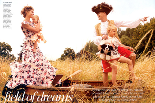 natalia-vodianova-her-family-by-mario-testino-for-vogue-us.jpg