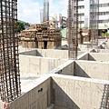 圖片4堅持使用四千磅的混凝土,7天可回填,並保持品質與強度