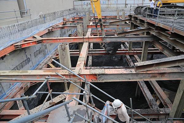 13-1031218第三層土方開挖