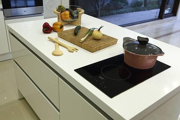 電陶爐,中島,廚具
