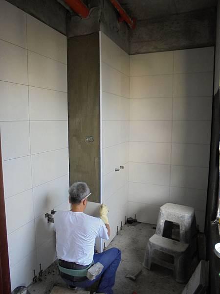 09/17 2F浴室壁磚黏貼