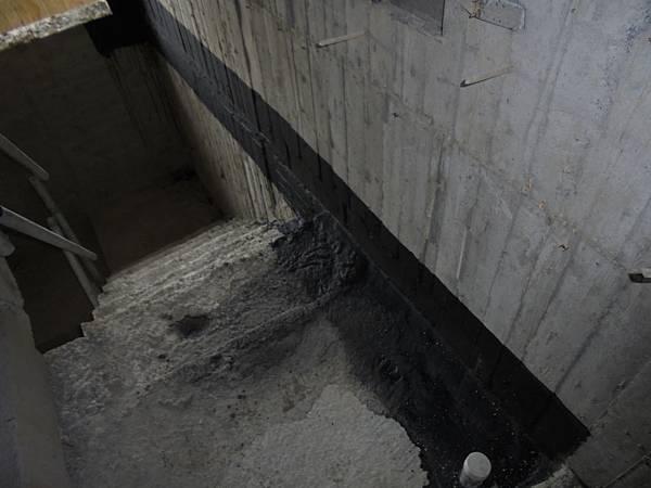 09/17 7F室外梯樓層接縫防水施作