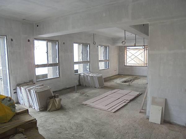 09/22 2F天花板.牆面披土完成