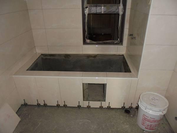09/29 2FA1.A2.浴缸牆貼壁磚