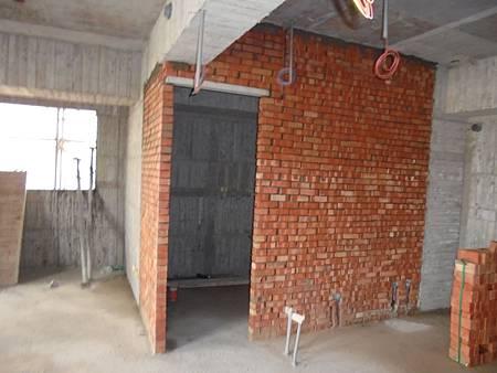 10/02 6F浴室上半部砌磚