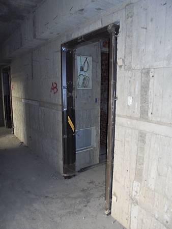 10/15 6F-7F住戶大門.防火門框.安裝.焊接固定