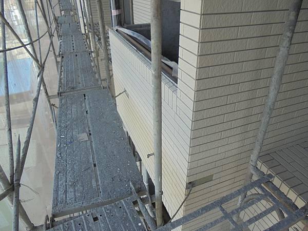 12-02 8F.7F外牆二丁掛黏貼
