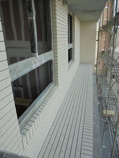 12-09 4F-5F外牆二丁掛黏貼