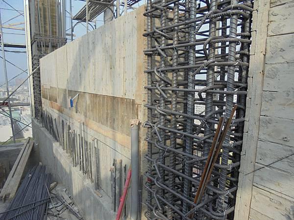 12-09 R2F壁牆組模
