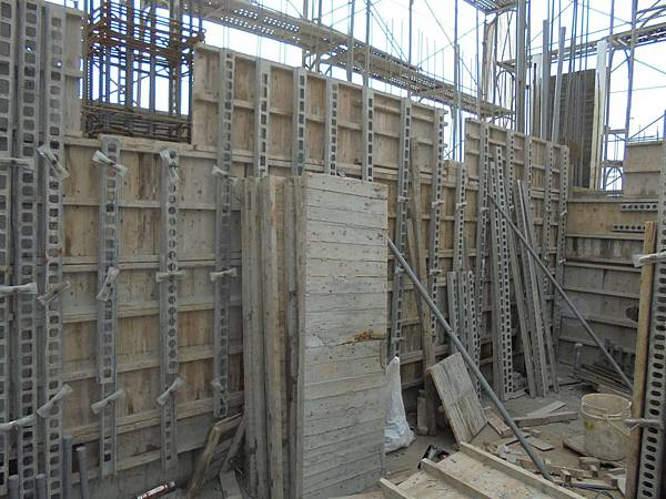 12-11 R2F壁牆封模栓固
