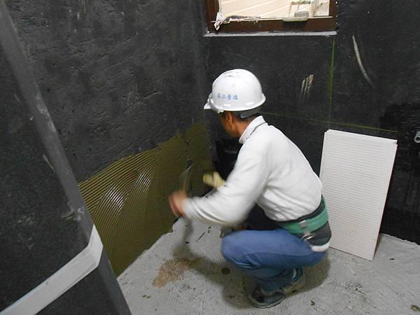 02-24 15F浴室貼壁磚