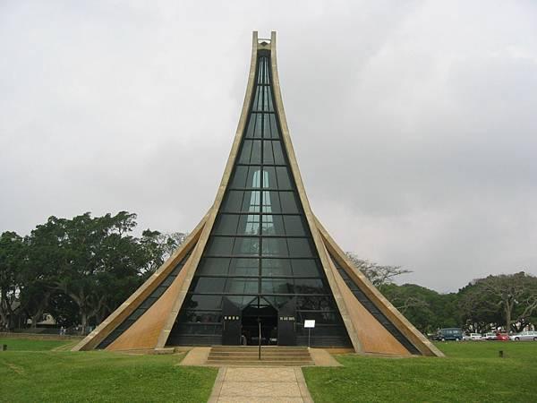 The_Luce_Chapel_3.jpg