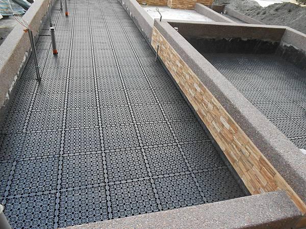 05/02 1F花台排水板鋪設