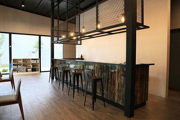 長型咖啡吧檯